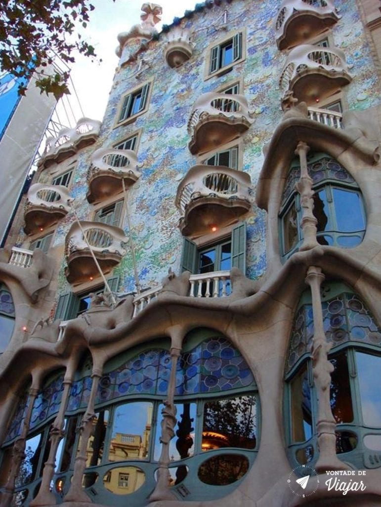 barcelona-de-gaudi-casa-battlo
