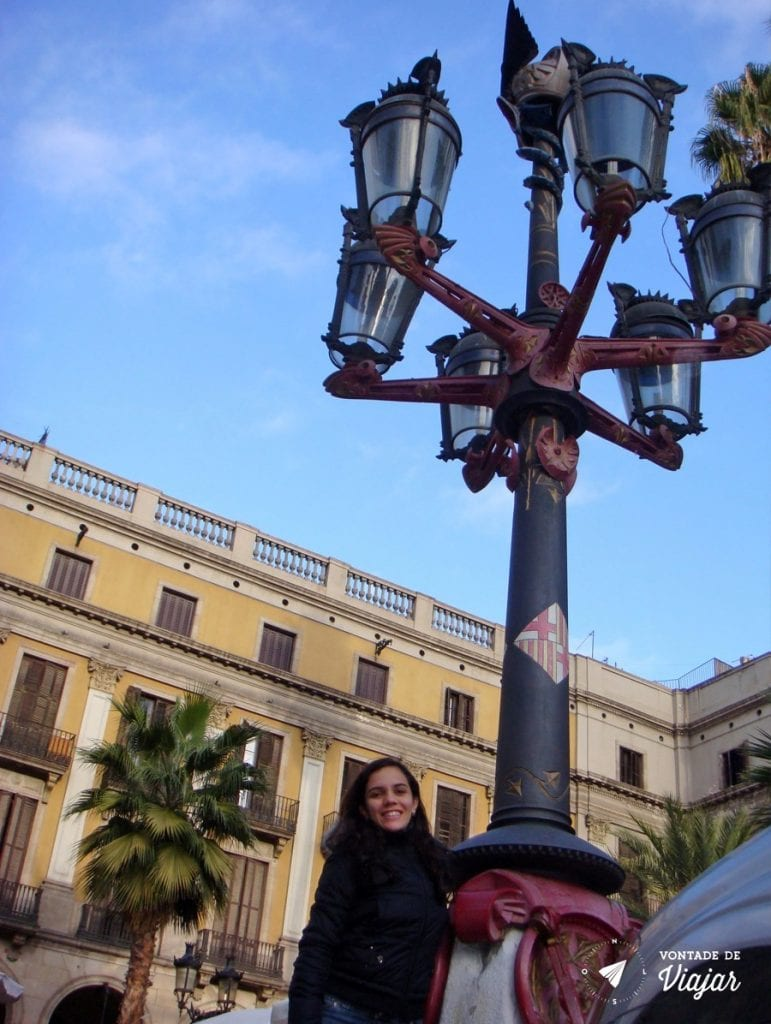 barcelona-de-gaudi-placa-reial