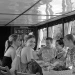 Rio Mekong - Galera jogando cartas no barco