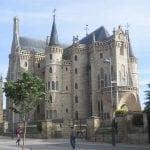 Caminhos de Santiago - Palacio Episcopal de Gaudi em Astorga (foto do blog A Knock on the Head)