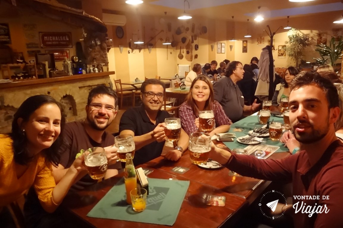 Cervejas tchecas - Um brinde no restaurante Zlata Lyra em Praga