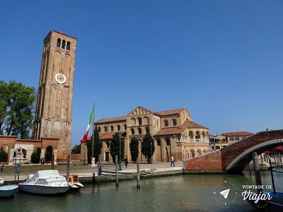Ilhas de Veneza - Igreja e torre em Murano
