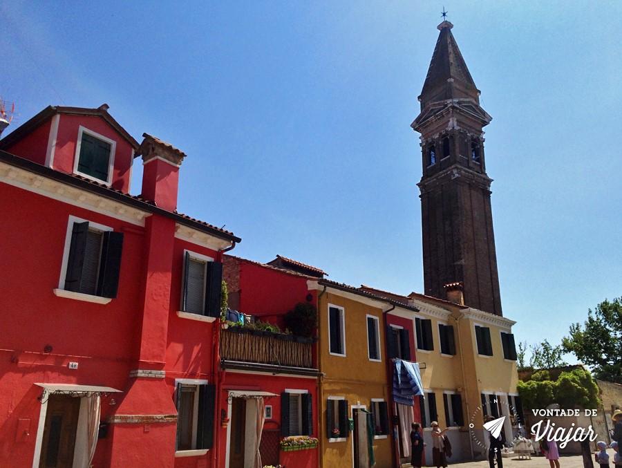 Ilhas de Veneza - Torre tombada em Burano