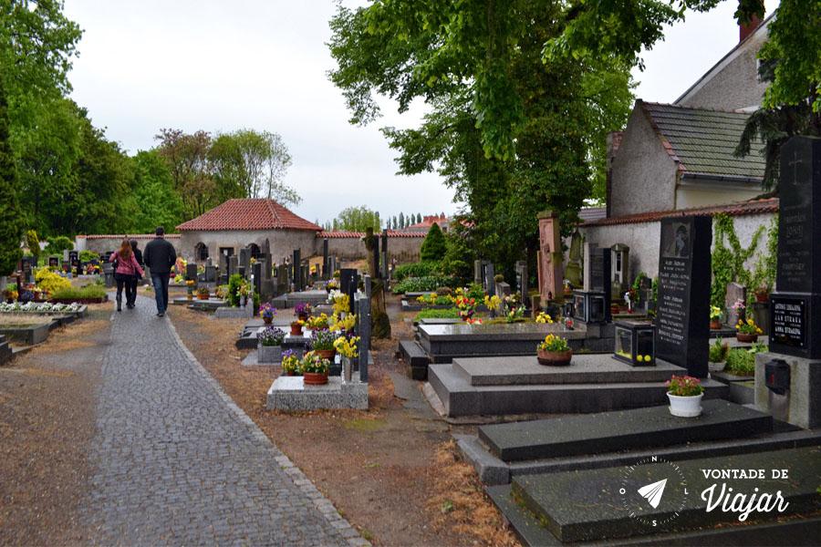 kutna-hora-cemiterio-da-capela-em-sedlec
