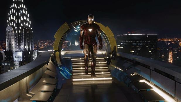 nova-york-super-herois-homem-de-ferro-na-stark-tower-com-o-chrysler-building-ao-fundo